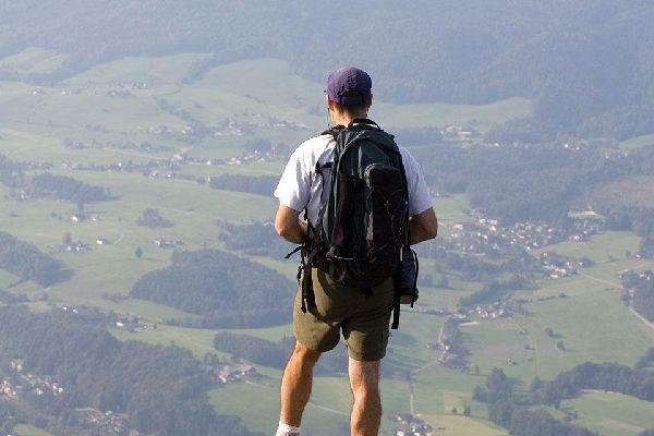 Diese Stadt mit 15.000 Einwohnern liegt auf 460 m Höhe mitten im Salzkammergut.