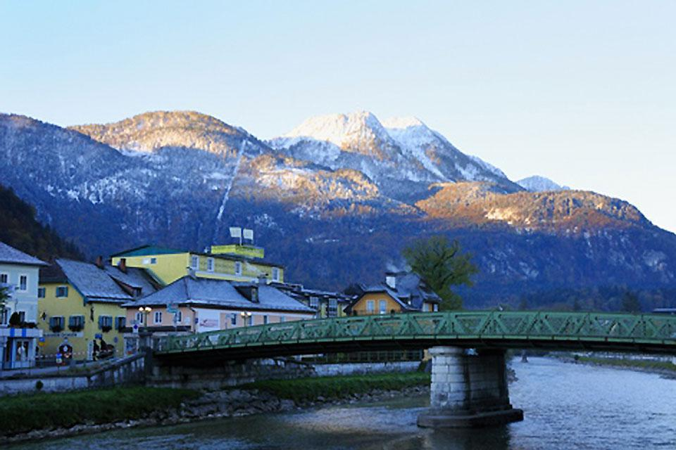 Bad Ischl is a renowned spa town that attracts plenty of tourists.
