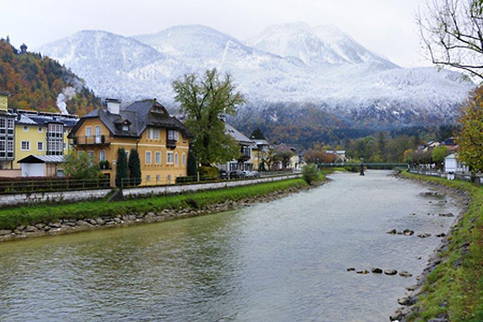 Once the holiday destination of Imperial couple Franz Josef and Sissi, the town takes its name from the River Ischl.