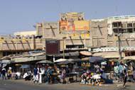 In Dakar gibt es ungefähr ein Dutzend verschiedene Märkte, die sich alle durch besondere Produkte und ihr ganz eigenes Ambiente charakterisieren.