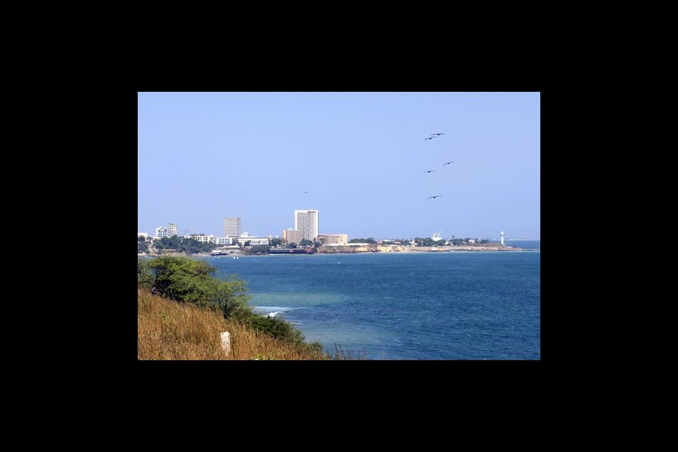 Central Dakar boasts two beaches, namely La Madeleine and l'Anse Bernard