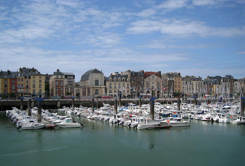 Dieppa è un comune di circa 35.000 abitanti situato nell'Alta Normandia nel dipartimento della Senna Marittima