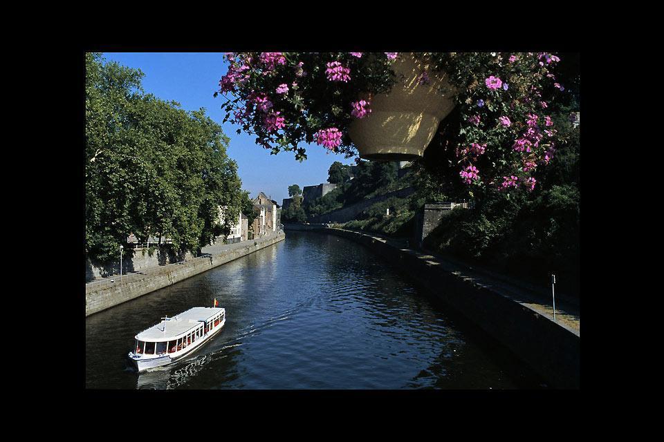 A pesar de su aspecto de pequeña aldea tranquila, la capital de Valonia esconde tesoros, como su ciudadela de 2.000 años de antigüedad.