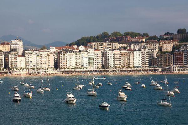 """Dai tempi della """"belle époque"""", San Sebastiàn è una delle città più turistiche della Spagna."""