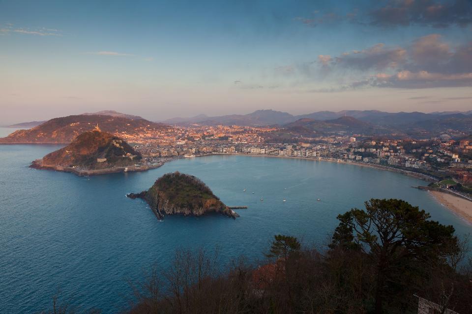 L'isola offre una vista meravigliosa della città.