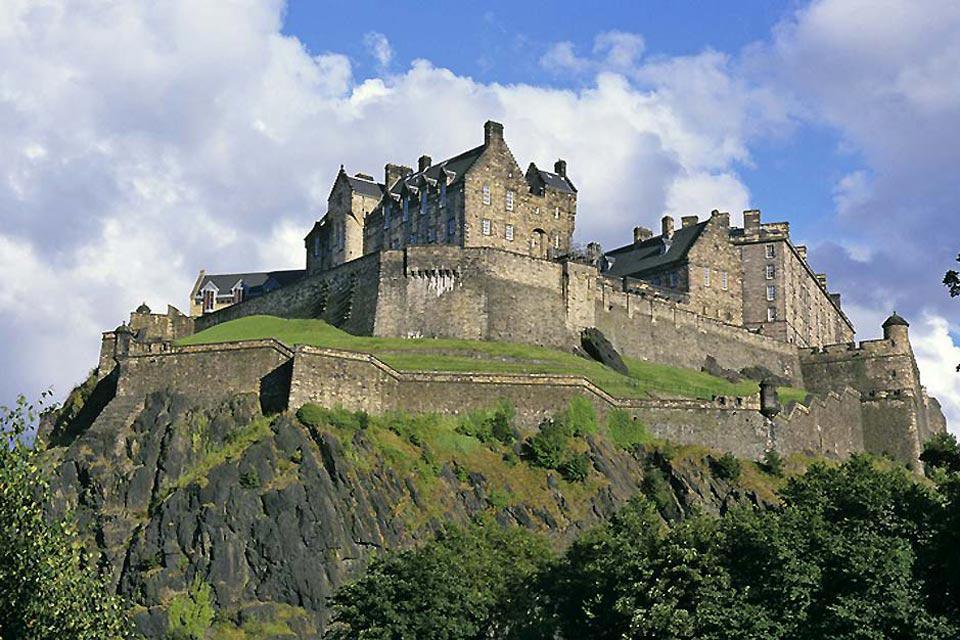Edimburgo, capital de Escocia, es una ciudad vibrante, original y creativa en la que se celebra uno de los mejores festivales del Reino Unido.