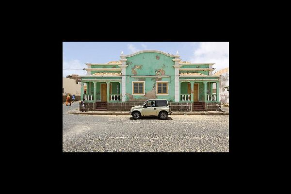 Although the buildings have preserved their typical multicoloured Cape Verdean façades, it is sad to see the condition they are in.