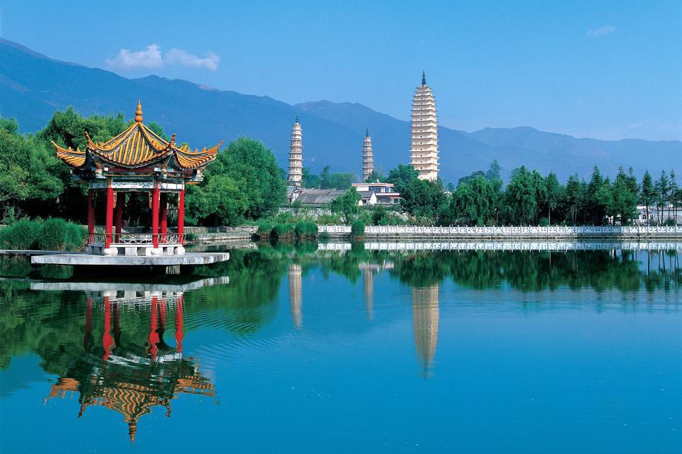 Vue sur les Trois Pagodes du Chong Sheng Temple, Dali