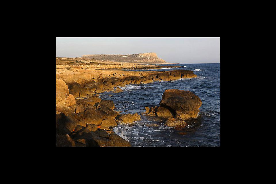 A la point Sud-Est de Chypre, le Cap grec sépare Agia Napa de Protaras.