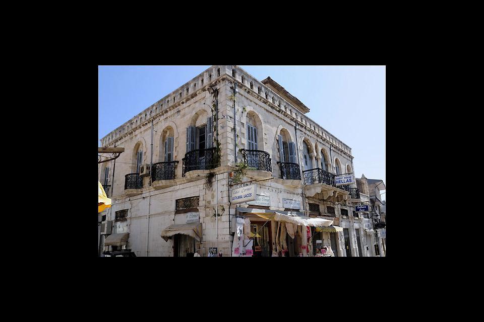 Limassol propose de charmantes rues marchandes.