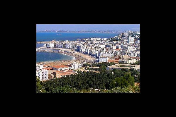 Algiers is built on an exceptional site overlooking the Mediterranean Sea. The modern part of the town is located on the plateau at sea level.