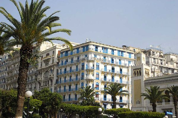 Hotel Albert I in Algiers is one of the city's historical establishments. It is located at the heart of the capital, next to the Grande Poste and facing the Bay of Algiers.