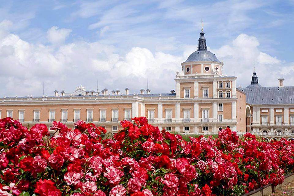 The palace is one of the residences of the Spanish royal family and is mostly used as a spring residence. The rooms, paintings and tapestries have all been renovated.