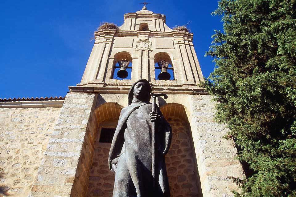 Santa Teresa vivió en la región de Ávila en el siglo XVI. Fue la primera mujer que recibió el título de Doctora de la Iglesia católica.