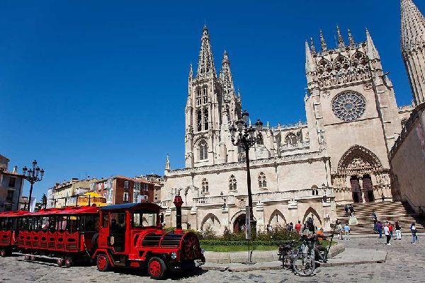 Die Kathedrale ist die wichtigste Sehenswürdigkeit von Burgos.