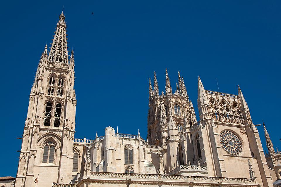 Started in 1221, it was finished in the 15th century. It is a Gothic-style masterpiece.