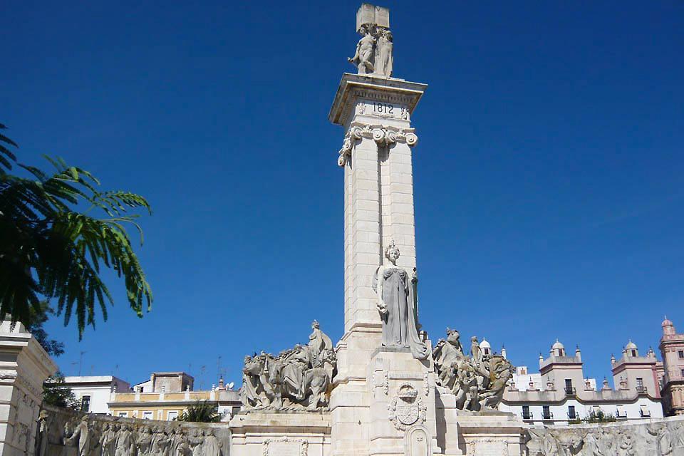 Il rappelle que Cadix fut la seule ville d'Espagne non conquise par les troupe de Napoléon.
