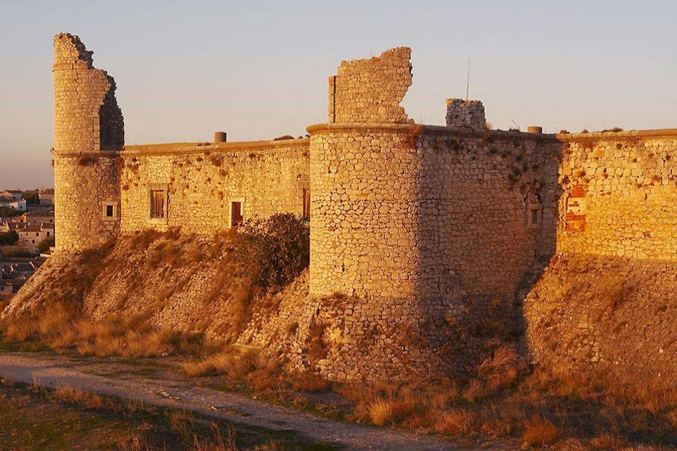 Built in the 15th century, the castle is now in ruins after having suffered through fires and looting over the centuries.