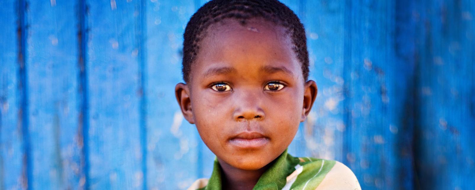 Afrique; Cameroun; Foumban; camerounais; enfant; garçon;