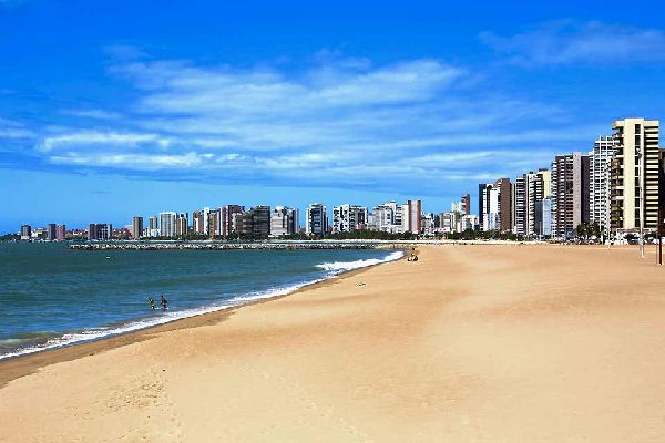 The rapidly changing city of Fortaleza is the capital of Ceará, one of the Brazilian states that makes up the region of the north-east, known for its dune landscapes, its beaches and the Bahia carnival. Those who were lucky enough to visit it around thirty years ago will remember (and probably with some nostalgia!) the myriad of typical little colourful and romantic houses of this city devoted to fishing. ...