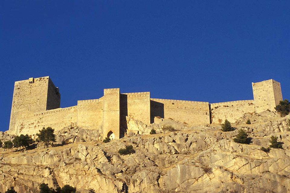 This Gothic castle overlooks the city of Jaén. These is even a passageway linking the castle to the city. From the top you will have a clear view over the city and the surrounding mountains.