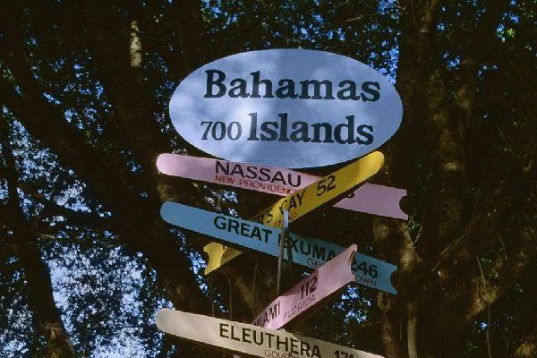 Die Bahamas bestehen aus einer großen Anzahl von Inseln, unter anderem Great Bahama.