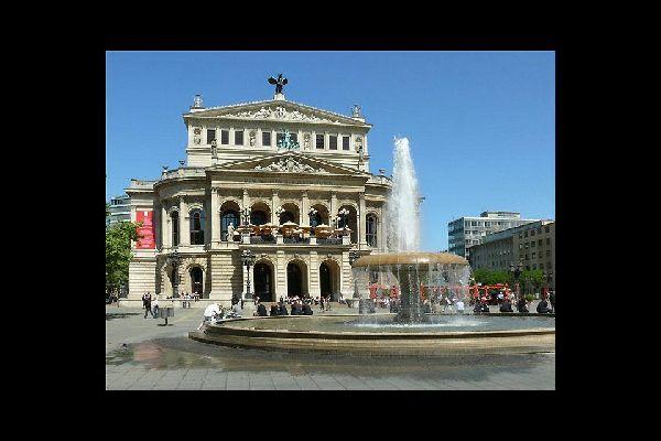 L'Opéra de Francfort est une attraction de la ville.