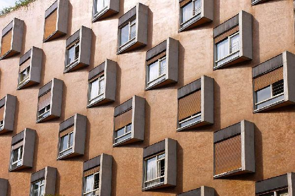 The architecture of this building in Oviedo is both modern and surprising.