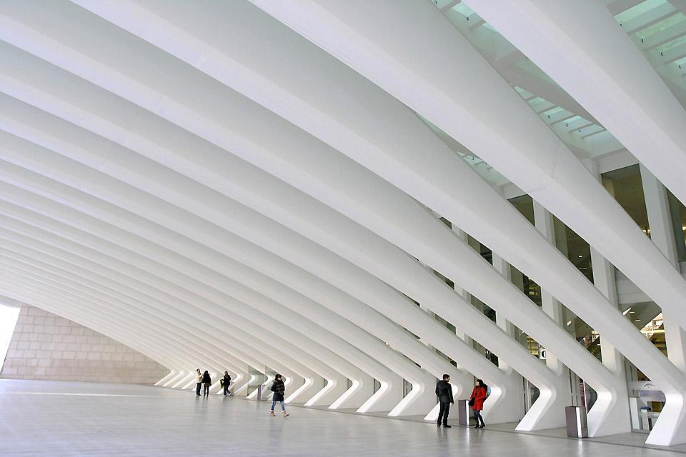 This centre, which opened its doors in 2011, was designed by architect Santiago Calatrava.