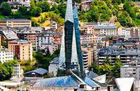 Andorra la Vella es la capital del principado de Andorra. Es la ciudad más agradable del país para ir de compra y pasear en las calles del centro urbano. ...
