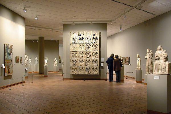 Il abrite la deuxième plus importante collection d'art roman catalan du pays.