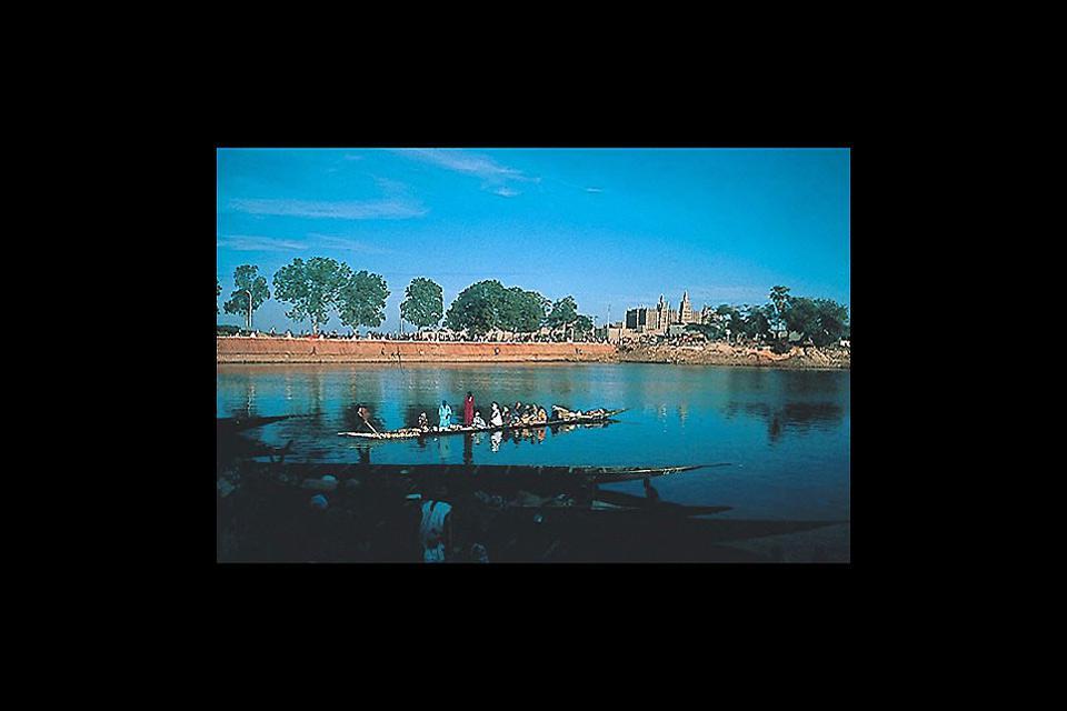Gao, la città dei Tuareg e dei Songhai si trova sul fiume Niger e possiede uno straordinario patrimonio archeologico.