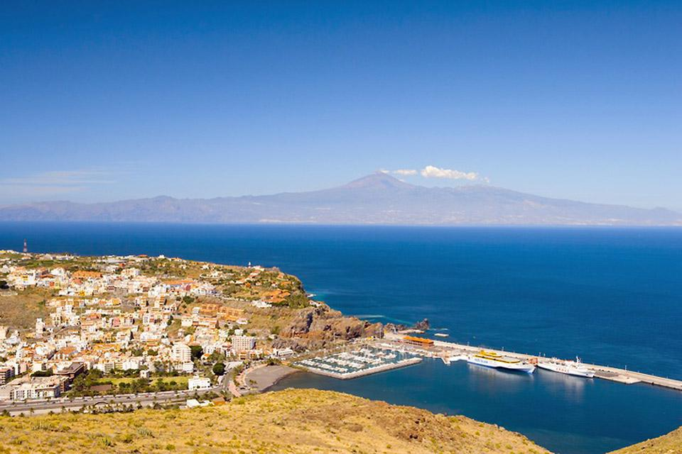 Questa capitale insulare dalla tradizione marittima e artigianale è stata il punto di partenza di numerose spedizioni di Cristoforo Colombo.