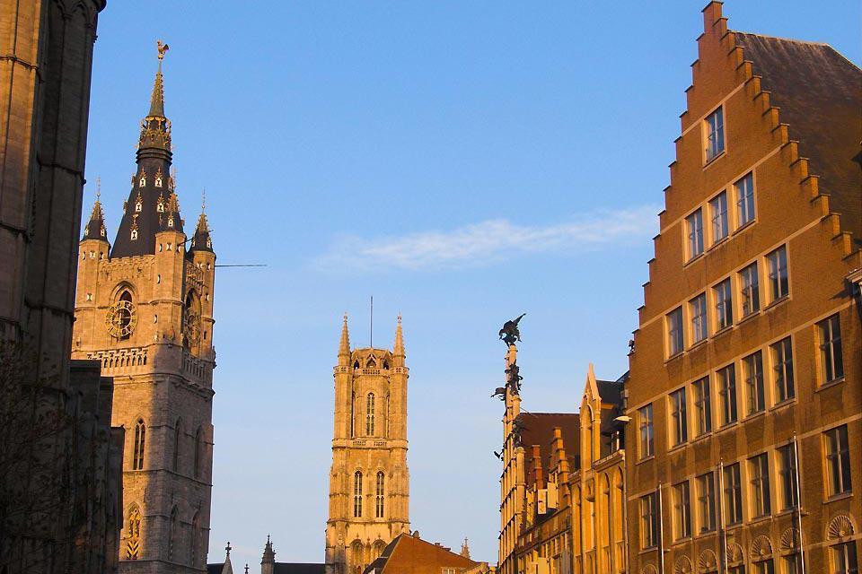 Il centro storico di Gand offre dei veri e propri tesori architettonici e costituisce quindi un ambiente unico per i visitatori.
