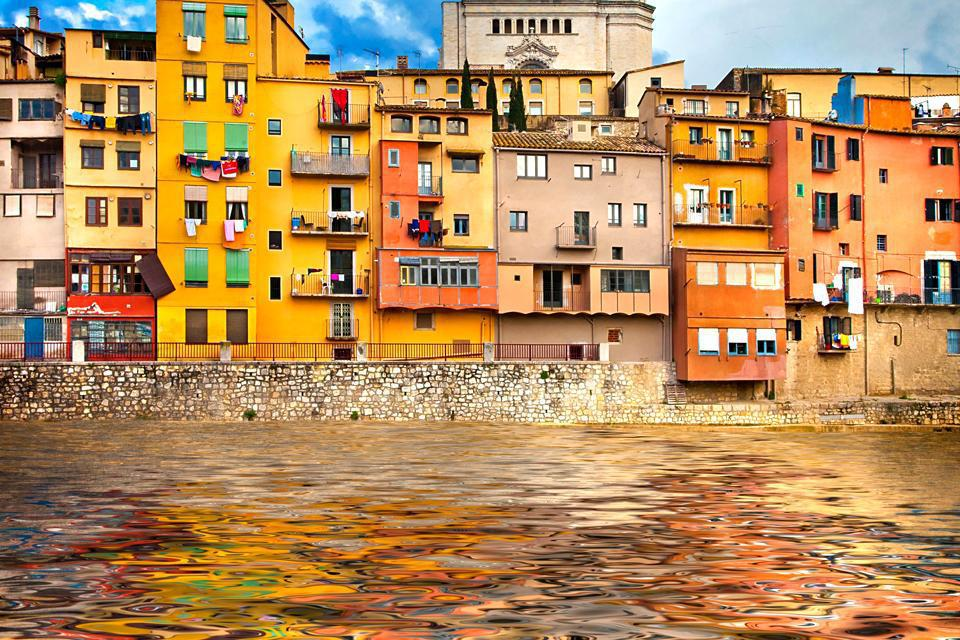 The river creates a natural barrier for Girona's old town. It flows into the River Ter.
