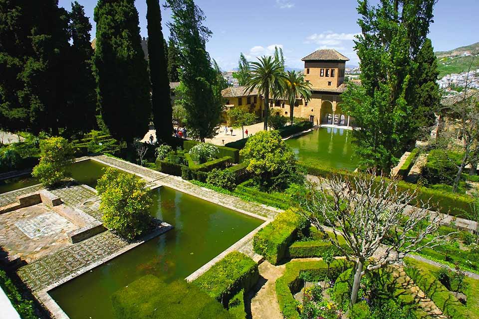 Fotos los jardines de la alhambra a granada for Fotos de jardines