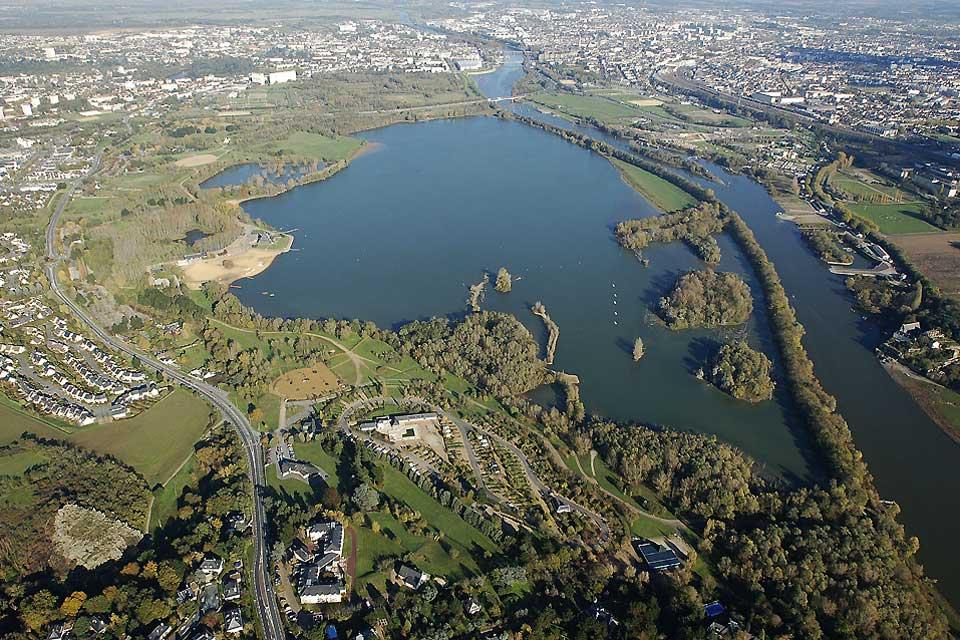 Ce grand parc de loisirs ouvert en 1978 permet aux citadins de venir se relaxer, flâner dans un environnement naturel protégé.