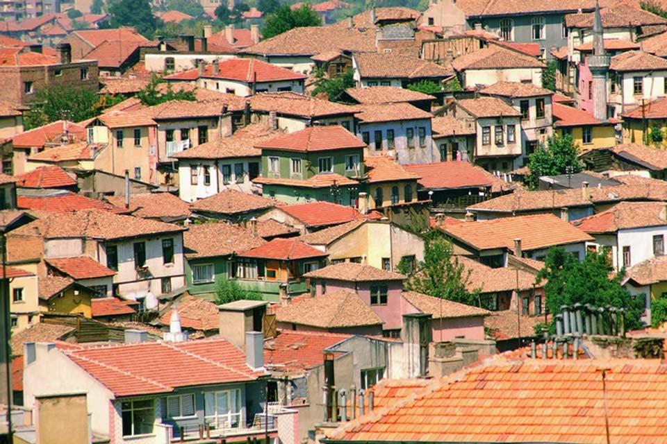 Point de départ pour l'Anatolie, Ankara est la deuxième plus grande ville  de Turquie.