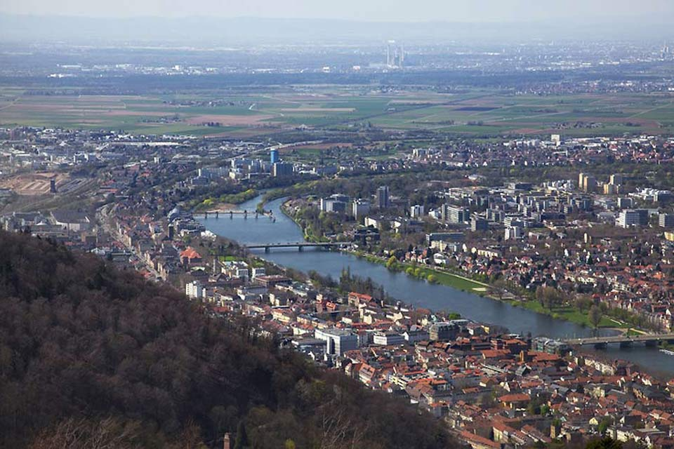 The city of Heidelberg stands on the banks of the river Neckar.