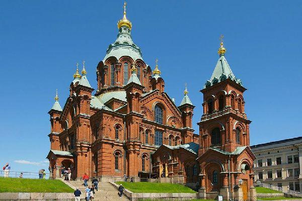 La Cathédrale Ouspenski, siège du diocèse orthodoxe de Finlande, a été construite entre 1862 et 1868.