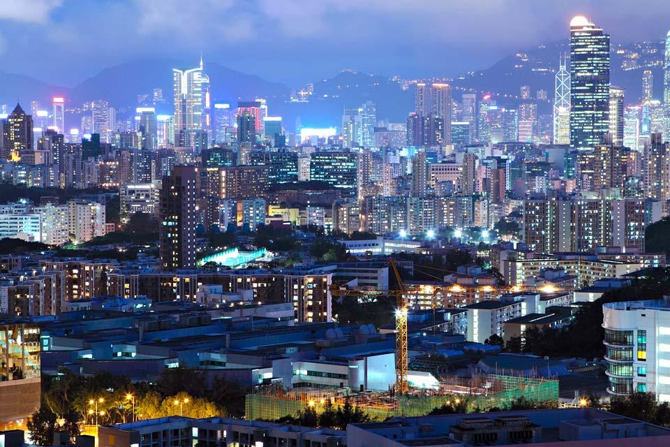 Hongkong ist heute eine der modernsten Städte der Welt. Das aktuelle Stadtgeschehen ist von Tourismus, Handel und innovativer Technologie geprägt.