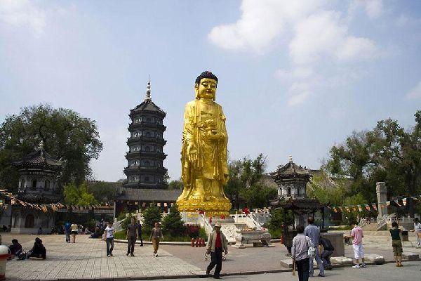 La pagoda budista de siete niveles es el templo más grande de Harbin. Se construyó en 1924.