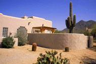 L'un des plus de 200parcours de golf de cette riche ville du désert.