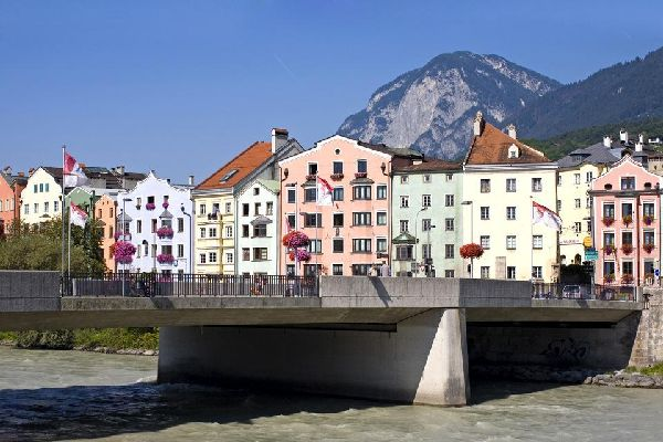 Though endowed with intense cultural and religious heritage, Innsbruck, which has hosted the Winter Olympics twice, is above all the meeting place for fans of winter sports. The city centre is organised around the Herzog-Friedrfichstrasse, whose arcades hold a number of enticing shops. Further away, the Saint-Jacques cathedral pays homage to baroque architecture, like the Hofburg castle. Walk along ...