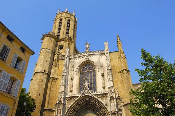 The Cathedral of Christ the Saviour in Aix-en-Provence is rather unique for its kind in that it is a combination of Roman and Gothic influences.
