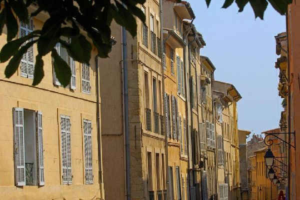 With over 140 listed historical buildings, Aix-en-Provence is an open air museum. The very pleasant climate means you won't have to worry about the weather during your stay.