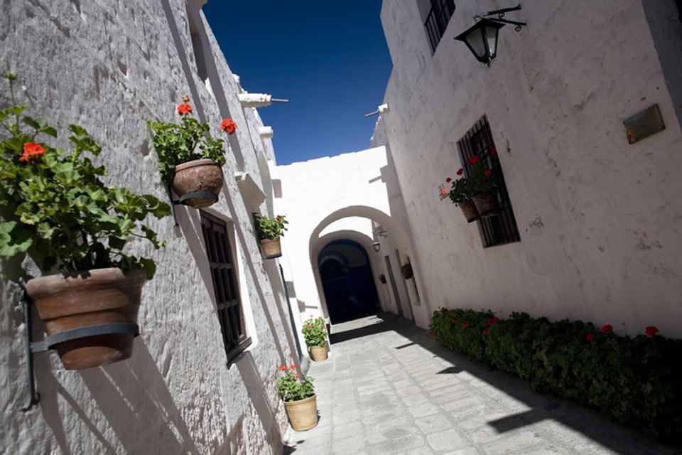 Patrimonio dell'Umanità dell'Unesco dal 2000, il centro storico di Arequipa è stato costruito quasi interamente in pietra bianca.
