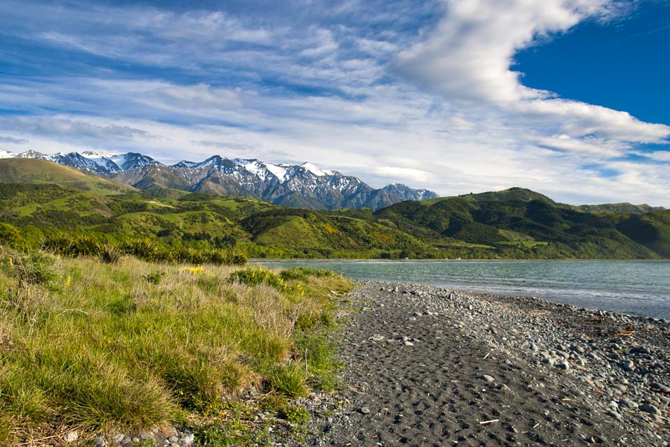 Kaikoura è un villaggio situato sull'isola meridionale della Nuova Zelanda, dove potrete fare delle splendide escursioni sui sentieri costieri.