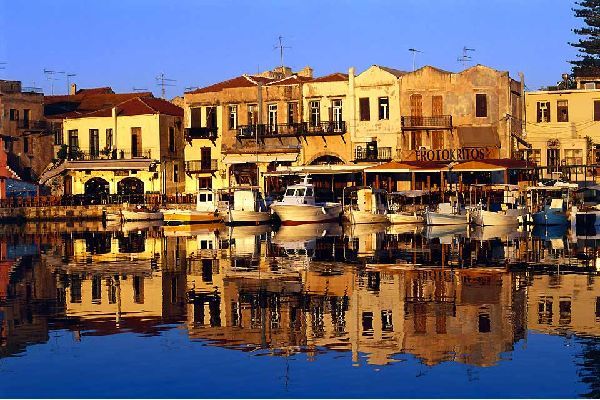 Located on the northern coast, Rethymnon, the capital of one of the four regions of the island, is located 45 miles west of Heraklion. In spite of the tourism which is gradually becoming more and more intrusive, it is a charming little town which owes its character to the ancient ruins on which it lays. Thus the old city reveals the traces left behind by the Turks and the Venetians: the fortress, some ...