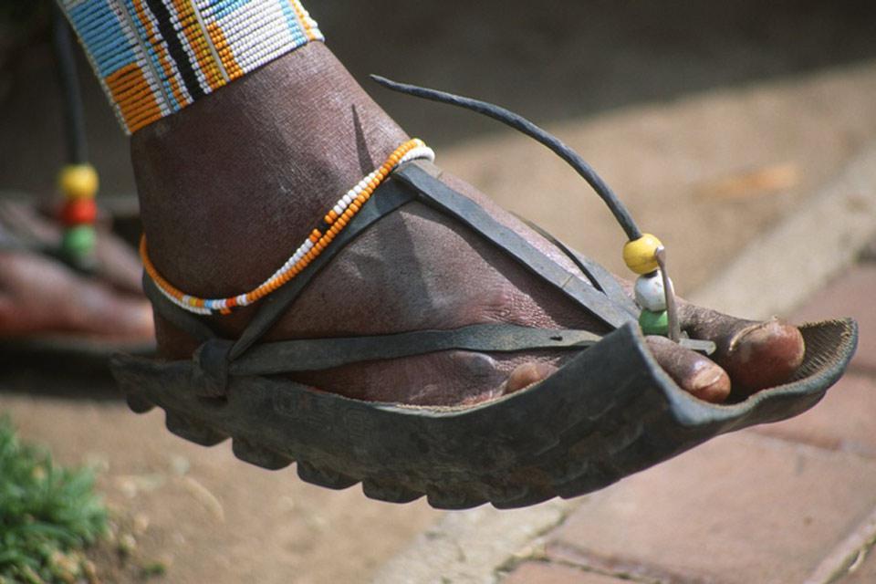 Les Masaï vivent au sud du Kenya et au nord de la Tanzanie, notamment à Arusha où ils cultivent l'art du recyclage!